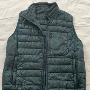 Gray puffy Gap vest